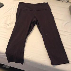 Dark burgundy crop length lululemon leggings